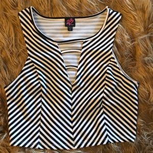 2B BEBE pullover, stretch, sleeveless, striped top